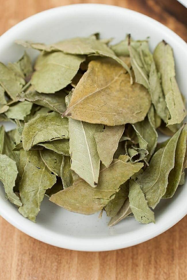 カレーリーフ Curry Leaves 【50gパック】(curry patta) / スパイス インド ガラムマサラ ハーブ レビューでタイカレープレゼント あす楽