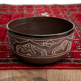 【送料無料】 【一点物】ライトウェイトシンギングボウル 音階:D 直径16.5cm程度 / Singingbowl ネパール 楽器 打楽器 シンギングボール 仏教 瞑想 民族楽器 インド楽器 エスニック楽器 ヒーリング楽器