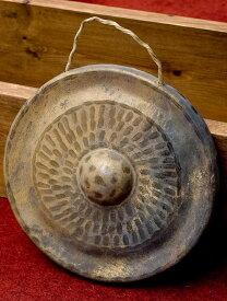 【シンバル】 [バチなし]ベトナムのゴング(銅鑼)20cm / ドラ 鐘 ベル 民族楽器 インド楽器 エスニック楽器 ヒーリング楽器