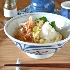 【砥部焼 梅山窯】からくさの反丼鉢(6.5寸)