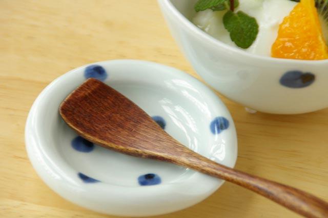 【砥部焼 梅乃瀬窯】水玉もようの箸置き