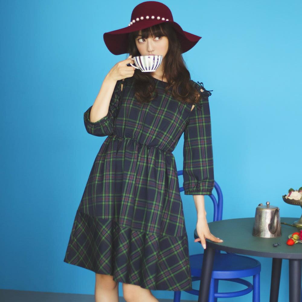 11月22日(水)再販決定☆【magale マガール】Like A Dollカタログtocco closet(トッコクローゼット) Collection中村里砂さんはグリーン着用