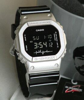 协作型号CASIO卡西欧手表防水钟表人G打击G打击DW-5600TOD-8DR海外型号黑色×银子逆转液晶数码广场专用的G-SHOCK日本未开始销售托德·乔丹限定BOX从属于!