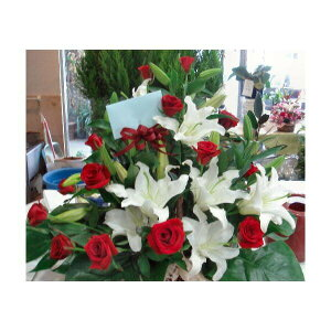 カサブランカ 赤バラ 赤と白のアレンジメント 贈答