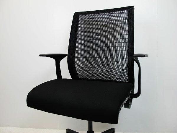 スチールケース シンク オフィスチェア 3Dニットメッシュ 固定肘 樹脂脚 ブラック