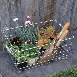 「ガーデニング・ステンレスカゴ Mサイズ」家庭菜園 収穫 花の苗 庭道具 ガーデンツール 収納 運搬 おしゃれ 日本製 職人 手作り サビにくい 庭いじり お庭