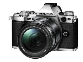 OLYMPUS オリンパス OM-D E-M5 Mark II 14-150mm II レンズキット(シルバー)