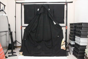 訳あり実店舗キャリー在庫 正絹黒留袖 絹100% 黒(鳥×椿×梅×菊) 正装 結婚式 着付けの練習 トッカ 送料無料 送料込み