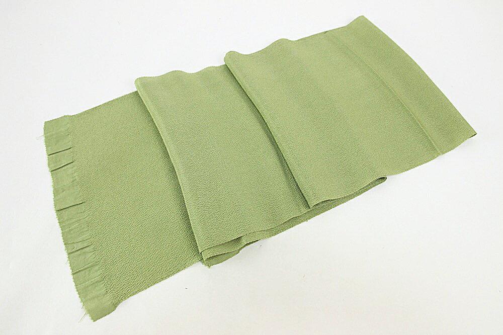 送料無料 呉服屋 正絹ちりめん帯揚げ 当店オリジナル商品 着物 小紋 紬 おしゃれ 3枚までメール便OK 縮緬 五嶋紐のゆるぎの帯締めに色に合わせてお求めください。36番 ひわもえぎ用に合わせて染めました。