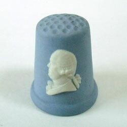 ヴィンテージ ソーイング 裁縫 アイテム インテリア 雑貨 かわいい 指貫 指ぬき wedgewood アンティーク 陶磁器 シンブル ジャスパーウェア キング・ジョージ3世 英国 ウェッジウッド