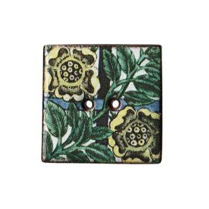 英国製 陶器ボタン ウィリアムドモーガン 花柄 正方形 24mm 二つ穴 ストックウェルセラミックス BH124 手作り ハンドメイド かわいい 四角 スクエア William De Morgan メール便OK