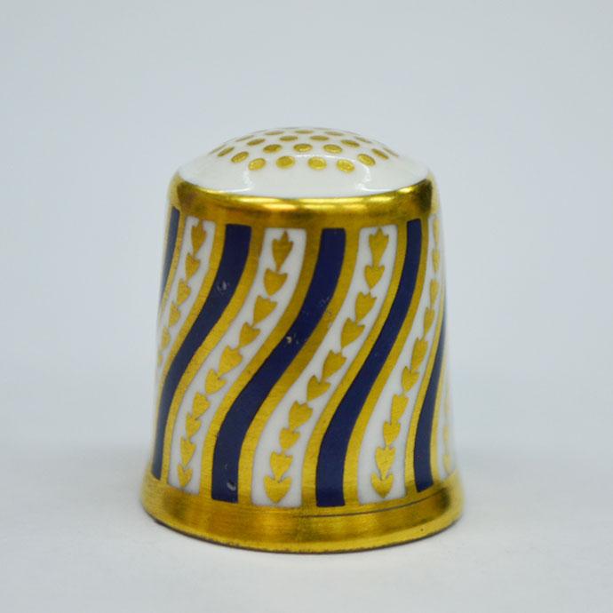 ヴィンテージ ソーイング 裁縫 アイテム インテリア 雑貨 かわいい 指貫 指ぬき Royal Crown Derby アンティーク 陶磁器 シンブル 1984年頃 The Spiral Stripe 1890 英国 ロイヤルクラウンダービー