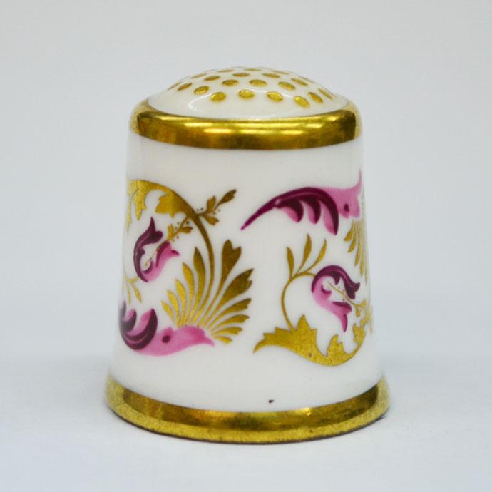 ヴィンテージ ソーイング 裁縫 アイテム インテリア 雑貨 かわいい 指貫 指ぬき Royal Crown Derby アンティーク 陶磁器 シンブル 1985年頃 The Purple Scroll 1947 英国 ロイヤルクラウンダービー