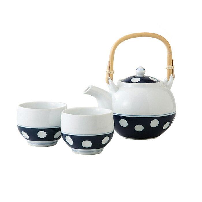 《送料無料商品です》 有田焼の手彫りの急須(土瓶タイプ)と湯飲み2個セット 【水玉】 【茶器・ゆのみ】グッドデザイン ロングライフデザイン父の日