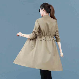 It is a coat in the size light outer jacket medium middle coat autumn when a trench coat lady's long trench coat long length coat outer jacket change design outer jacket beige pink yellow red trench coat is big