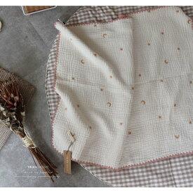 ゴールドの刺繍糸。6重ガーゼブランケット星と月の刺繍 Lサイズ(約140×85cm)TRICK HOLIC トリックホリック