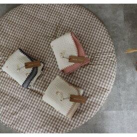 ゴールドの刺繍糸。6重ガーゼブランケット星と月の刺繍 Sサイズ(約70×85cm)TRICK HOLIC トリックホリック