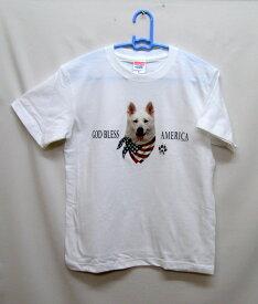 ジャーマンシェパード柄の半袖Tシャツです(ホワイト・バンダナ)