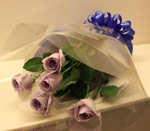 ブルーローズ「APPLAUSE 〜アプローズ〜」の5本花束 記念日 アニバーサリー 誕生日 結婚 プレゼントギフト サントリー 青いバラ 人気 花言葉 夢かなうフラワーバレンタイン ホ