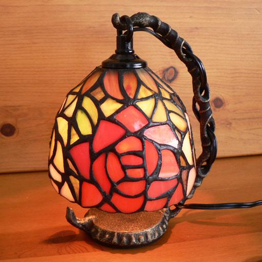 ステンドグラスランプ吊り型1アーム 2色のバラ(フェアリークイーン)15.5×h19 【照明・スタンド】☆
