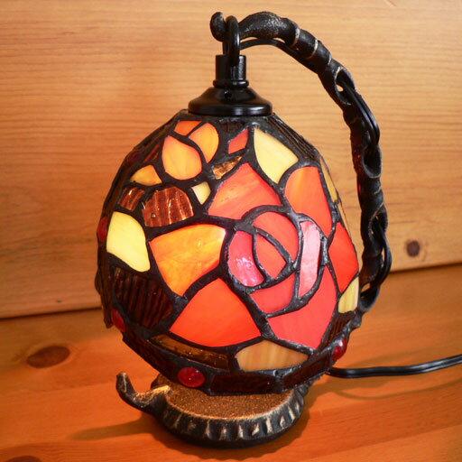 ステンドグラスランプ吊り型1アーム 薔薇の花と蕾(バレンシア)15.5×h19 【照明・スタンド】 ☆