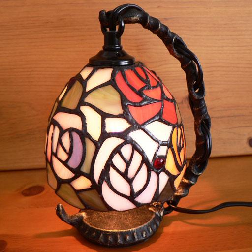 ステンドグラスランプ吊り型1アーム 4色の薔薇の花(フェリシア)15.5×h19 【照明・スタンド】