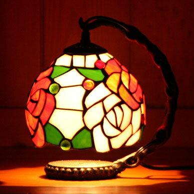 ステンドグラスランプ色とりどりのバラの花 (ファビュラス)吊り型1アーム 17×23cm【照明・スタンド】step84+td029b