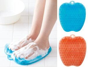 フットケアブラシ / フット ケア 角質除去 ブラシ 足裏 角質 洗う 足 スッキリ 臭い 血行 風呂 バス 指 ボディブラシ マッサージ 爽快 泡 吊るす フック 滑り止め 衛生