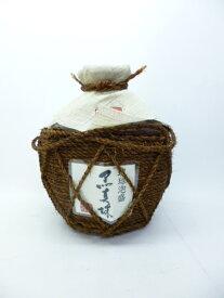 【八重泉酒造所】【琉球泡盛】黒真珠 5合シュロ巻壷  43度 900ml