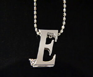 K18 ダイヤモンド イニシャル ペンダント トップ 「E」ネックレス ゴールド ダイアモンド アルファベット 18K 18金 誕生日 4月誕生石 メッセージ ギフト 贈り物