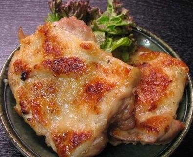 国産銘柄鶏(銘柄どり)のモモ肉 お買得な1kgパック!