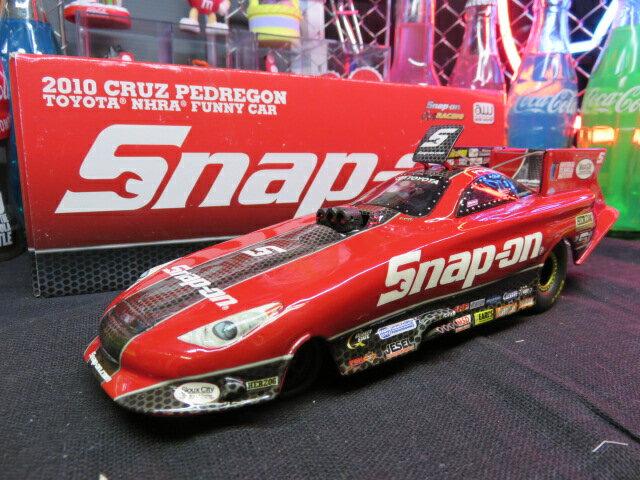 【ミニカー】【1/24】【SNAP-ON】【2010 CRUZ PEDREGON FUNNY CAR】【スナップオン】【ドラッグレース】【リアルモデル】【カムリ】レッド/カーボン