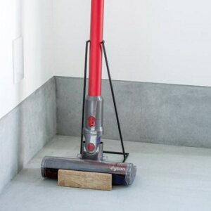 クリーナースタンド 掃除機スタンド スティッククリーナー コードレス掃除機 掃除機収納 ダイソン収納 木製 アイアン 黒 ウッド 見せる収納 立てる収納 リビング インテリア おしゃれ ナチ