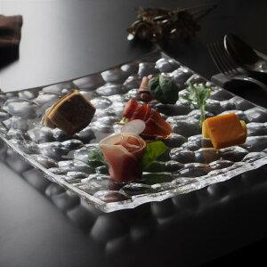 ソフィア スクエア プレート 28cm ガラス 前菜 オードブル ローストビーフ おうち時間 じぶん時間 ガラス食器 ガラスのお皿 涼し気 洋風 イタリアン フレンチ 高級感 ラグジュアリー おもてな
