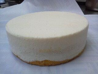 [チーズ3倍3種類][ロイヤルレアーチーズケーキ全三種類当店基準チーズ3倍、オリジナル製法で低カロリーを実現しました。お好みの味をお楽しみくださいね。ワインにもあいますよ