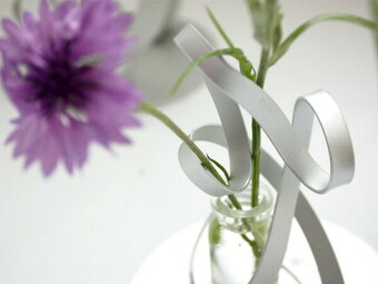 TWISTツイストLアルアートAT-2一輪挿し花器フラワーベースおしゃれシンプル軽量アルミニウム花瓶シルバー日本製国産インテリア
