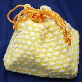 超激安価格! 巾着 浴衣 巾着袋 お出かけ お遊び お土産 黄色系 ふくれ織調  おしゃれ用 カジュアル ゆかた ※レターパック(1つまで)、ヤマトコンパクト(2つまで)配送可 店頭見切り品のため少々キズありますご了承ください。