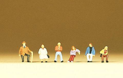 preiserプライザー79054 座っている人たち【Nゲージ人形】【塗装済み】【ジオラマ小物】【メール便可】