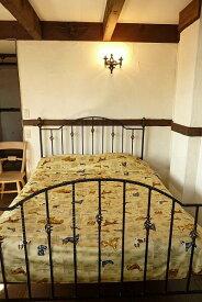 ダブルサイズのベッドカバー200cm x 280cm一重の綿100% アロハ柄 犬 日本製 コットン