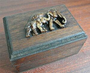 ゾウの木彫り小物入れ