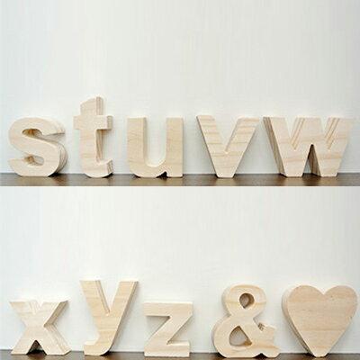 (アルファベット オブジェ 小文字(s〜z/その他記号)アルファベット 木製 文字 パーツ 小文字 結婚式のウェルカムボード サインや表札。インテリア ブロック 天然木のナチュラル 雑貨。木の無塗装でDIYで着色 装飾自在。プレート 置物 木製置物 披露宴(二次会)ウッド レター