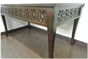 4面透かし彫り猫脚ダイニングテーブル