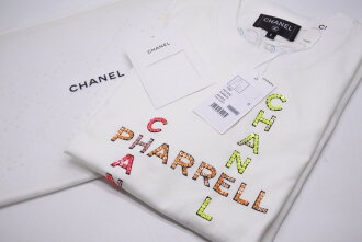 ◆It is ◆◆ Chanel CHANEL [USED/ new article-free]: White Chanel Farrell ◆ with CHANEL X PHARRELL WILLIAMS collaboration unisex T-shirt small size black-free tag ◆