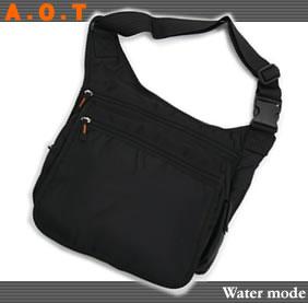 ◇普段使いA.O.T ワンショルダーバッグ!A4サイズ収納可能。体のフィット感があるので動きやすい! E953【鞄】【かばん】【メンズ】【レディース斜めがけバッグ】