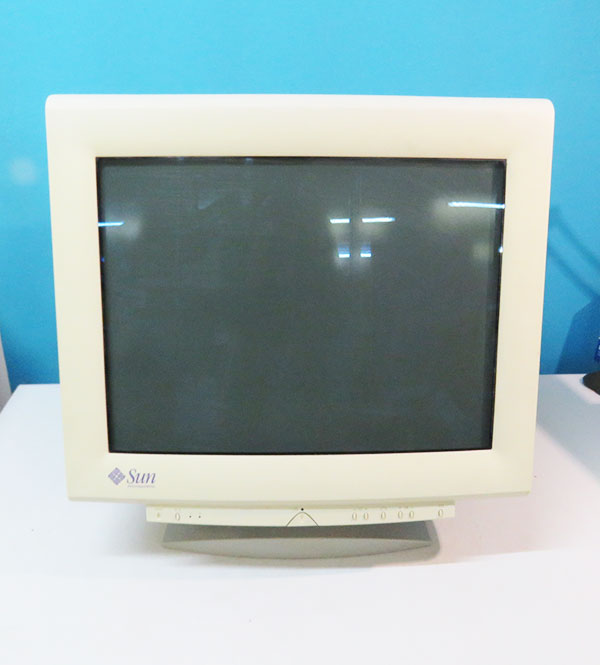 3651383-01 Sun Microsystems 21インチ CRTディスプレイ 1600x1200 SONY GDM500PS【中古】【全品送料無料セール中!】