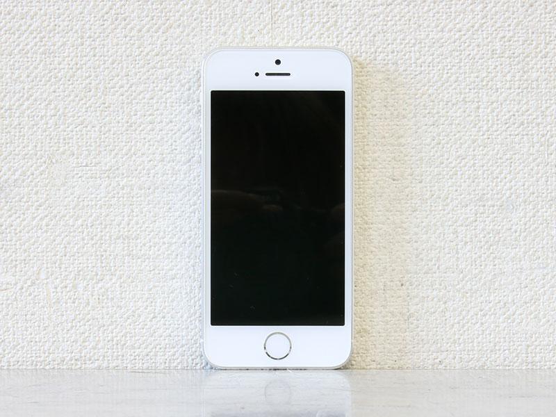 【判定○】Apple iPhone 5s Model A1453 ME381J/A シルバー SoftBank/16GB/iOS 11.4【中古スマートフォン】【送料無料セール中! (大型商品は対象外)】