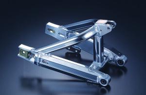 G-Craft ジークラフト スイングアーム トリプルスクエア チェーンスライダー仕様:ボルト止め / チェーン引き:標準タイプ / ピボット部構造:ブッシュ(標準) / 仕上げ:バフ仕上げ(標準) / ス