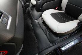 オグショー OGUshow トランポ用品 【ブランド:ユーアイビークル】200系ハイエース エンジンルームカバー セット内容:リアのみ ボディ幅:標準ボディ 200系ハイエース S-GL、ワゴンGLDXには適合不可