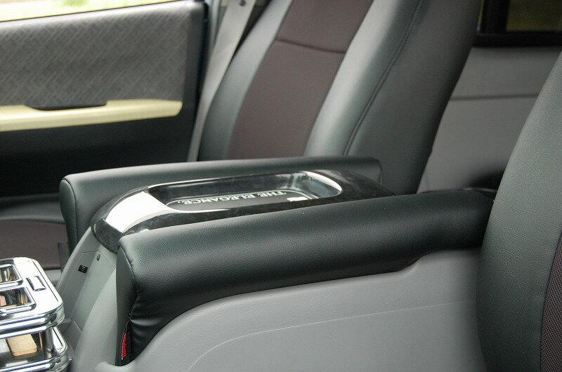 オグショー OGUshow トランポ用品 200系ハイエース ESアームレスト L (延長タイプ) カラー:ブラックレザー 装着位置:運転席側 TOYOTA 200系ハイエース