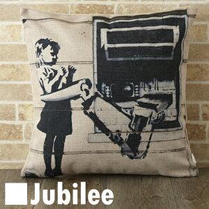 セール SALE 【バンクシー Banksy クッションカバー】 Cushion Cover 北欧デザイン 45×45cm 【送料無料】 リネン 天然の麻で出来たハンドメイド アームホールドガール プレゼント ギフト 新生活 新居